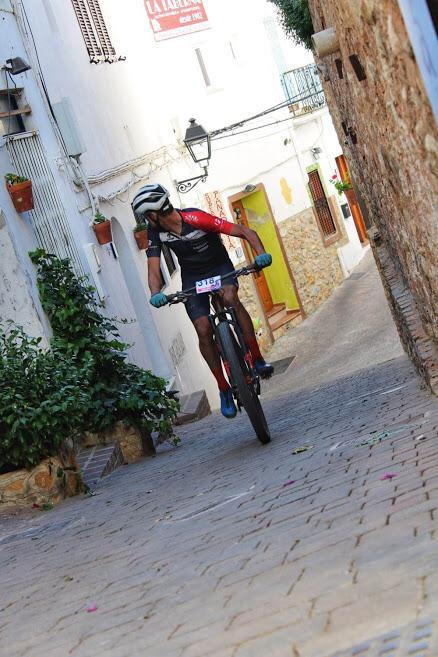 Juan José Simón Biking Pro, primero en La Mojaquera 42K 2019